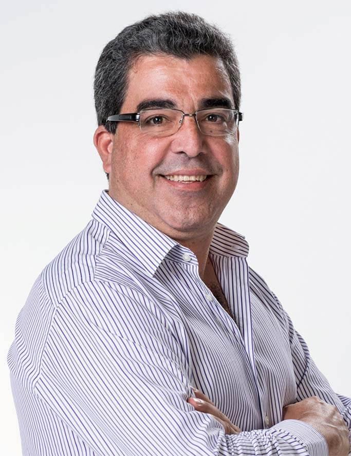 Dr. Marcos Sampaio